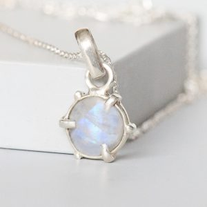 Silver Moonstone Pendant Necklace