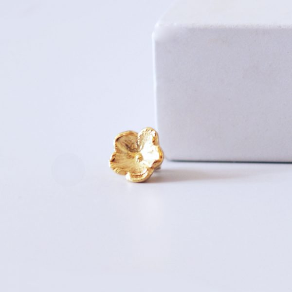 Small gold forget me not ring charm
