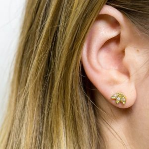snowdrop studs earrings