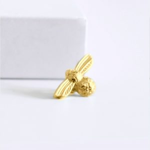 small bumblebee ring charm