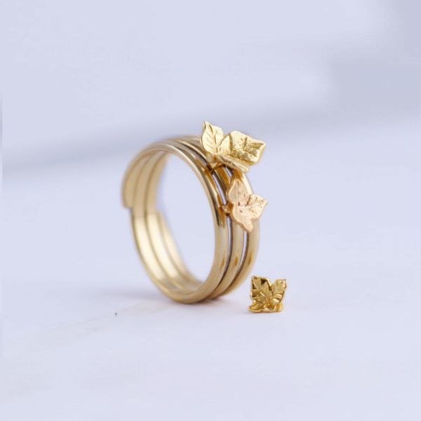 small gold ivy leaf ring charm