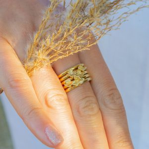 medium ivy leaf gold slider ring charm