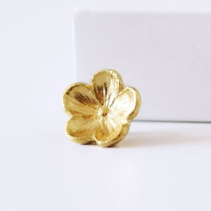 large gold forget me not ring charm