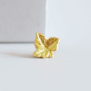 large gold leaf with ivy charm for rings