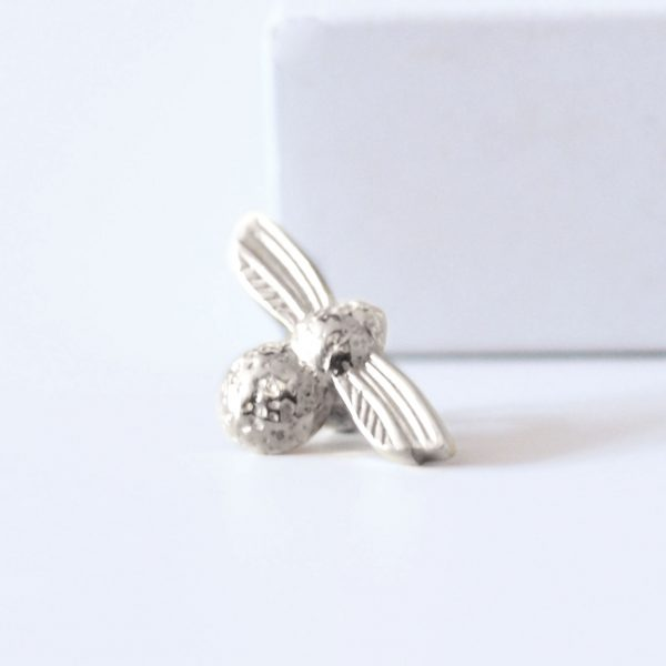 large silver bumblebee slider ring charm