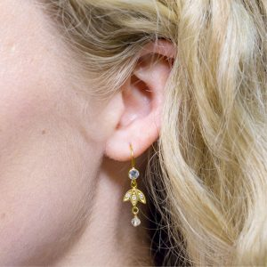 Snowdrop Earrings gold